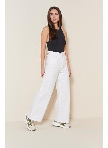 Levure Yüksek Bel Büzgülü Bol Paça Pantolon Beyaz